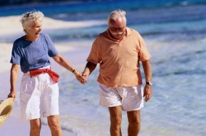 elderly-couple-beach